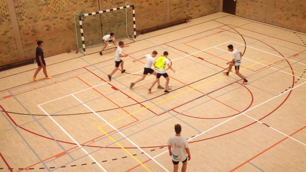 Zaalvoetbalcompetitie vierdes
